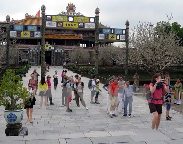 Centro de Reliquias de Hue recibe dispositivo medico al servicio de turistas hinh anh 1