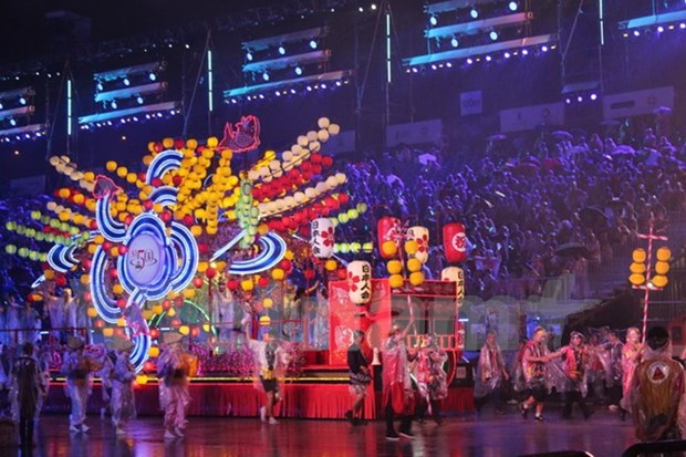 Festival callejero Chingay ilumina Singapur hinh anh 1