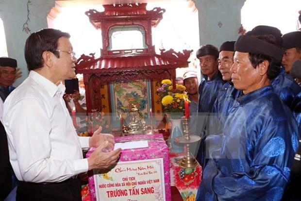 Presidente de Vietnam recorre por distrito insular de Ly Son hinh anh 1