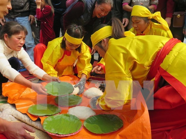 Inauguran festival primaveral Con Son- Kiep Bac 2016 hinh anh 1