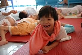 UNICEF presta atencion a victimas de agente naranja/dioxina hinh anh 1