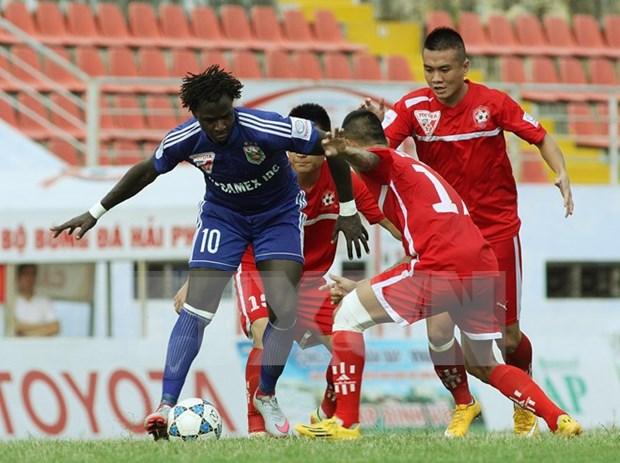 Futbolista senegales gana premio Fair Play de Vietnam hinh anh 1