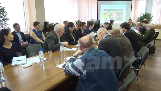 Expertos rusos debatieron resultados del XII Congreso del PCV hinh anh 1