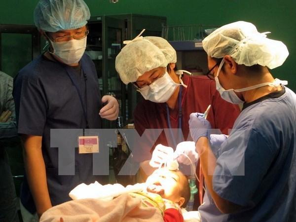 Realiza organizacion estadounidense actividades carirativas en Vietnam hinh anh 1