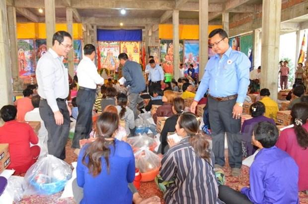 Entregan donativos a hogares vietnamitas y cambodianos afectados por incendio hinh anh 1