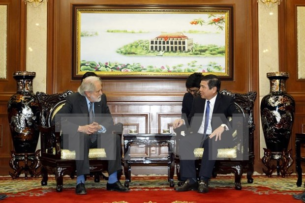 Ciudad Ho Chi Minh llama a inversiones britanicas en infraestructura de transito hinh anh 1