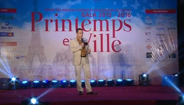 Organizan en Hanoi gala de ex estudiantes vietnamitas en Francia hinh anh 1