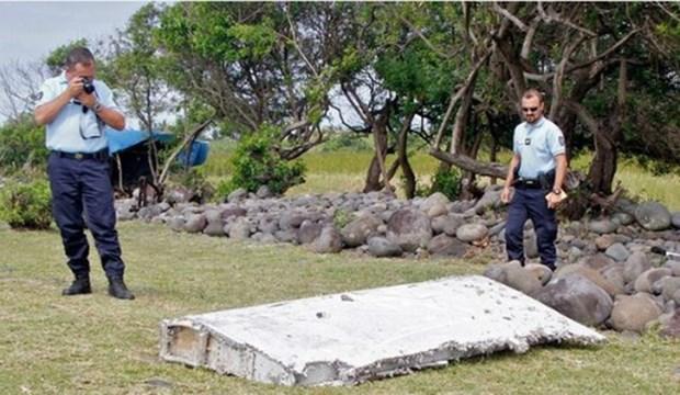 Encuentran en isla Reunion nuevo fragmento que podria ser del MH370 hinh anh 1