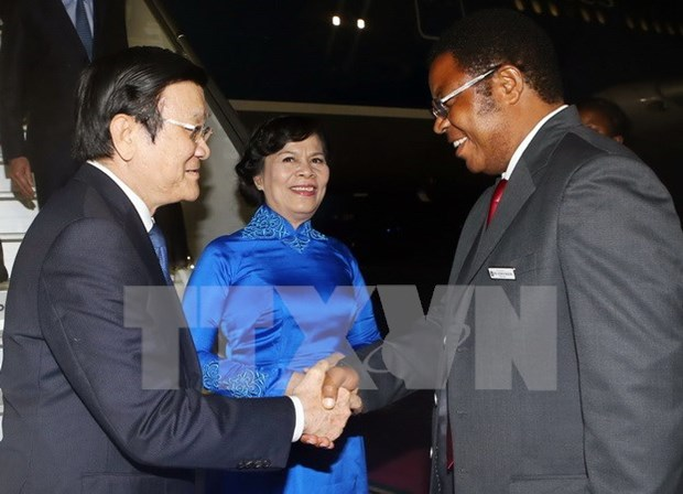 Presidente vietnamita llega a Tanzania hinh anh 1