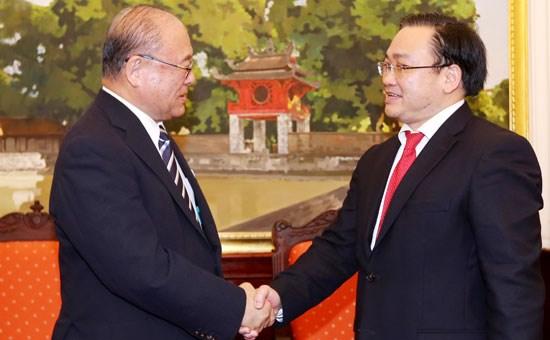 Dirigente partidista propone ayuda de Japon en proyecto ferrocarril en Hanoi hinh anh 1