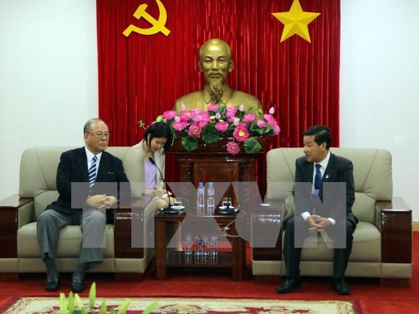 Asesor especial japones intercambia experiencias en desarrollo con Binh Duong hinh anh 1