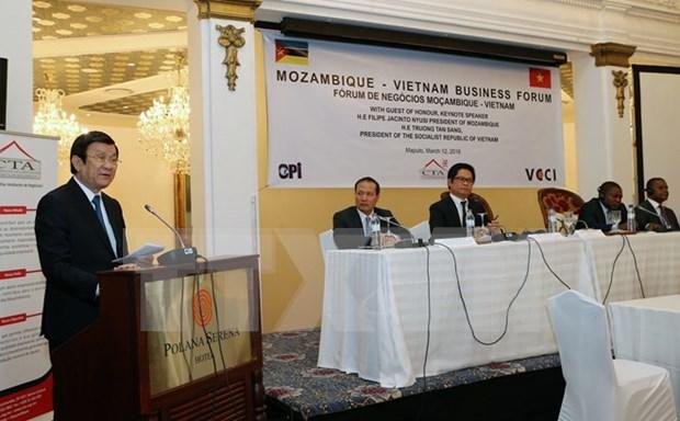 Presidente vietnamita asiste a Foro Empresarial en Mozambique hinh anh 1