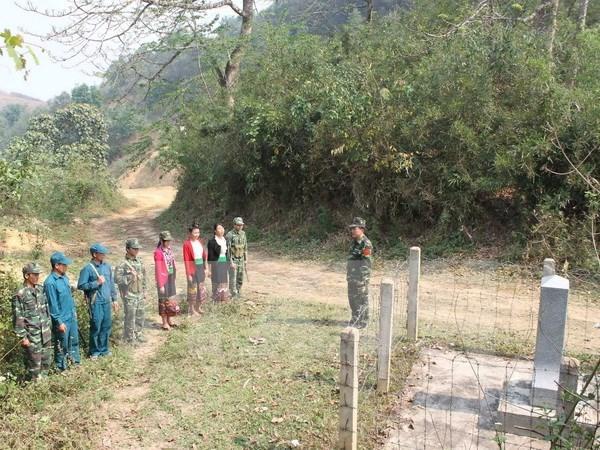 Vietnam y Laos celebran conclusion del proyecto de demarcacion fronteriza hinh anh 1