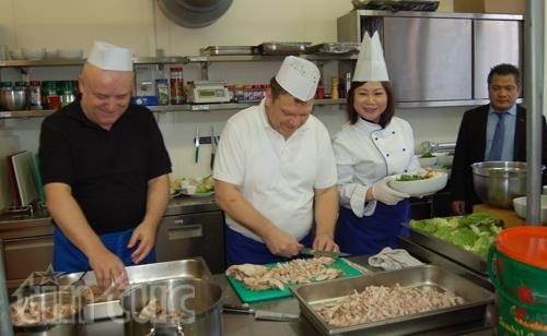 """""""Dia gastronomico de Vietnam"""" en Eslovaquia hinh anh 1"""