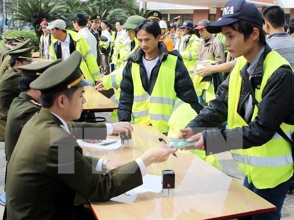 Vietnam por aplicar memorando en el sector de trabajo con Malasia hinh anh 1