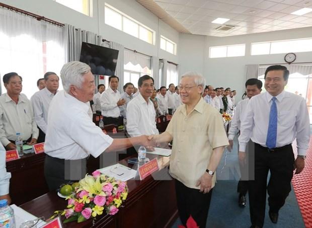 Lider partidista vietnamita inspecciona situacion de sequia en provincia surena hinh anh 1