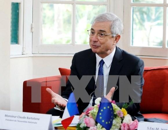 Presidente de Asamblea Nacional de Francia concluye visita a Vietnam hinh anh 1