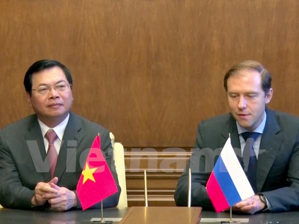 Vietnam y Rusia cooperacion en produccion de medios de transporte hinh anh 1