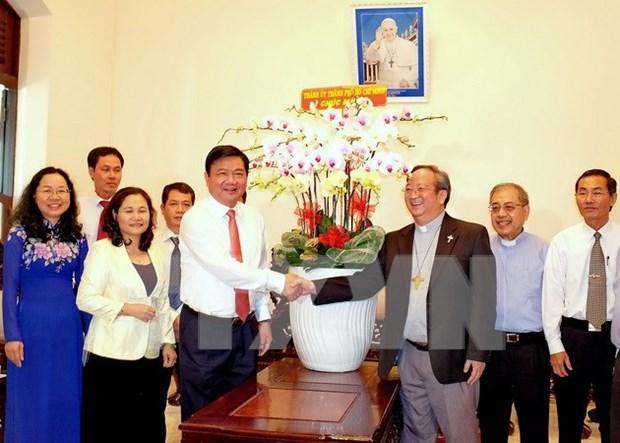 Autoridad de Ho Chi Minh felicita a fieles catolicos en ocasion de la Pascua hinh anh 1
