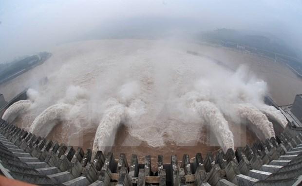 Lao abre compuertas de presas para aliviar sequia y salinizacion en Delta Mekong hinh anh 1