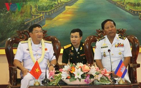 Armadas de Vietnam y Camboya intensifican cooperacion hinh anh 1