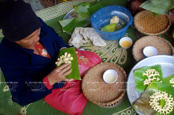 Pastel de jengibre, ofrenda indispensable de los Cham a los antepasados hinh anh 2