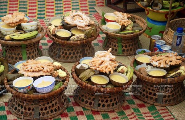 Pastel de jengibre, ofrenda indispensable de los Cham a los antepasados hinh anh 3