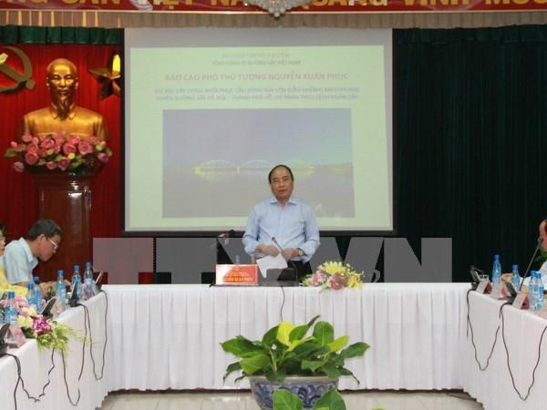 Viceprimer ministro insta acelerar reconstruccion del puente colapsado hinh anh 1