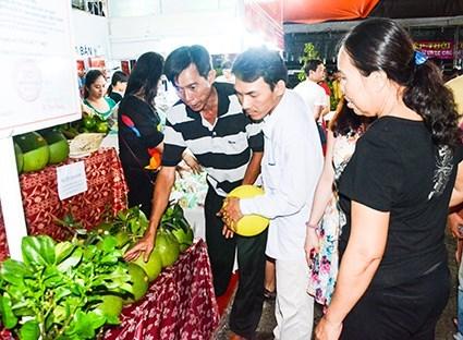 Festival de agro-piscicultura congrega a 22 localidades surenas vietnamitas hinh anh 1