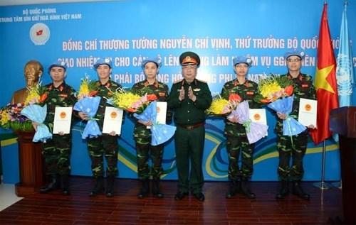 Vietnam envia mas oficiales a operaciones de paz de ONU hinh anh 1
