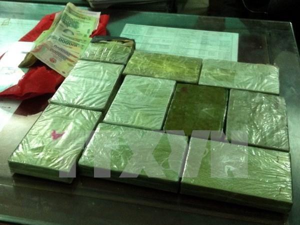 Decomisan gran cantidad de heroina en frontera entre Vietnam y Laos hinh anh 1