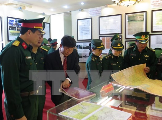 Documentos ratifican soberania vietnamita en el Mar del Este hinh anh 1