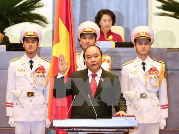 Lideres de Laos y China felicitan a nuevo primer ministro de Vietnam hinh anh 1
