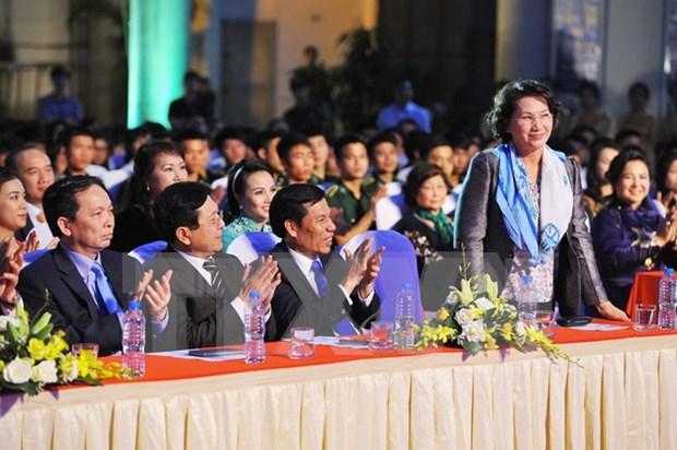 Programa artistico honra sacrificios de combatientes vietnamitas hinh anh 1