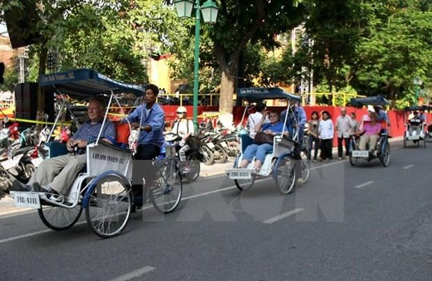 Crecen llegadas de turistas extranjeros a Hanoi hinh anh 1