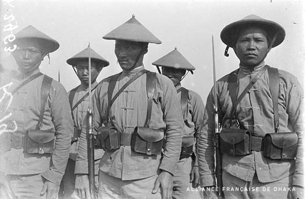 Exponen fotografica en Francia sobre obreros indochinos durante guerras mundiales hinh anh 1