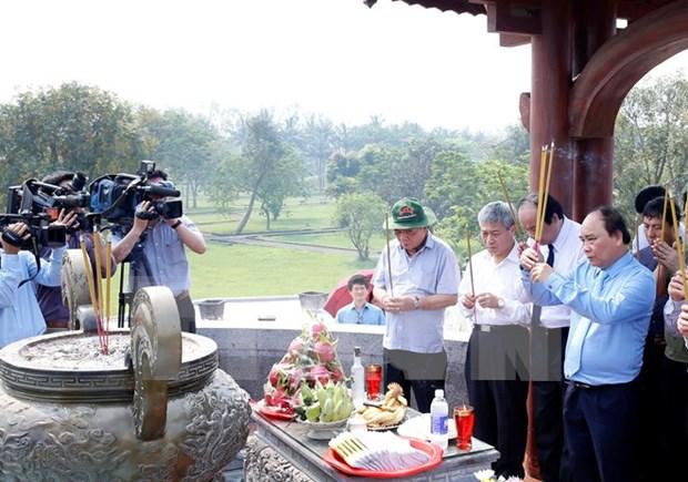 Reverencian a heroes y martires en la provincia de Quang Tri hinh anh 1