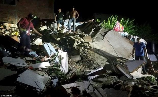 Lideres vietnamitas expresan pesames por terremoto en Ecuador hinh anh 1