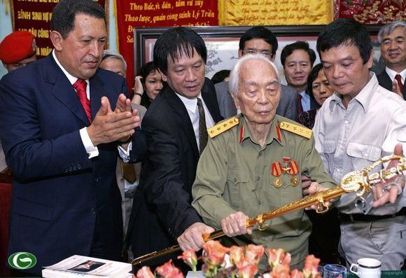 Simposio en Hanoi por decimo aniversario de la visita de Hugo Chavez a Vietnam hinh anh 1