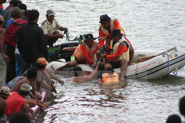 Myanmar: 21 muertos en un naufragio hinh anh 1