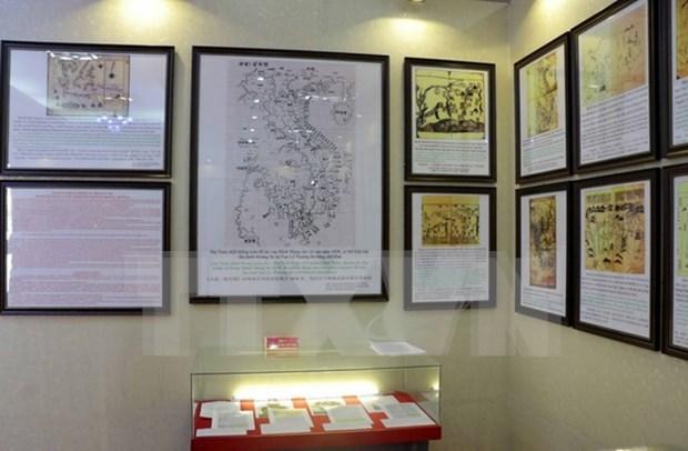 Exhiben documentos sobre soberania vietnamita en Hoang Sa y Truong Sa hinh anh 1