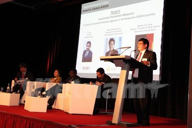 Sesiona en Alemania seminario de inversion en Vietnam y ASEAN hinh anh 1