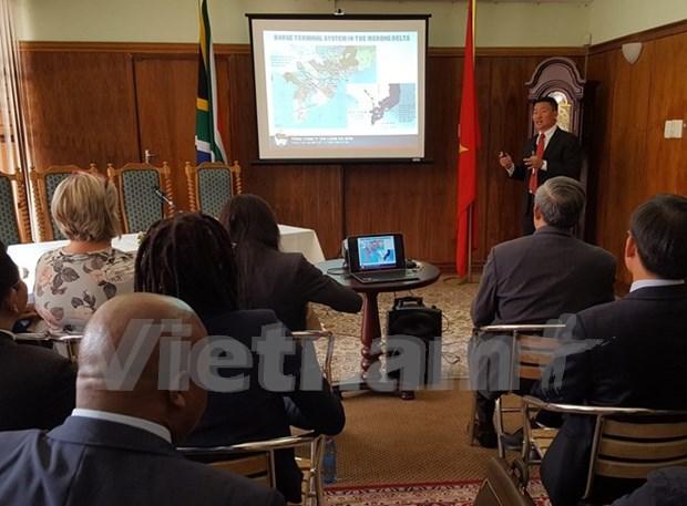 Vietnam y Sudafrica buscan aumentar comercio mediante transporte maritimo hinh anh 1