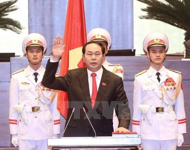 Nuevos lideres de Vietnam siguen recibiendo congratulaciones hinh anh 1