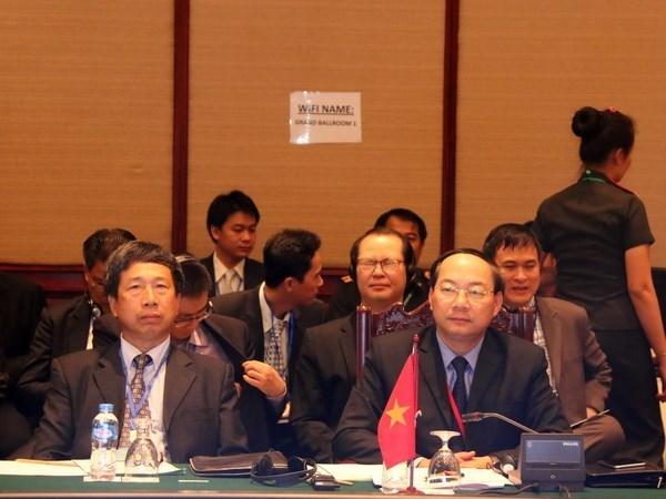 Vietnam asiste a conferencia de Altos funcionarios de Defensa de ASEAN hinh anh 1