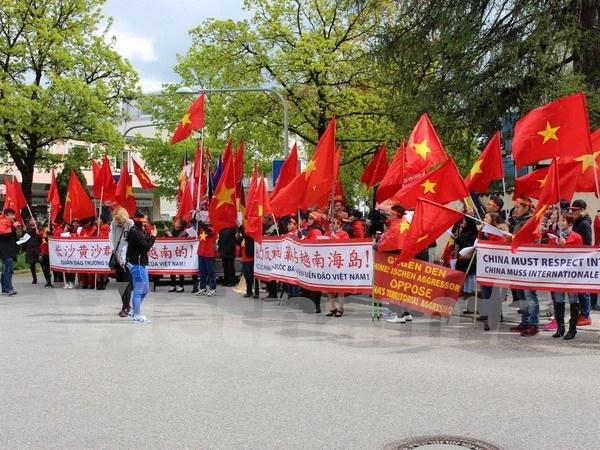 Protestan en Alemania contra acciones de China en Mar del Este hinh anh 1