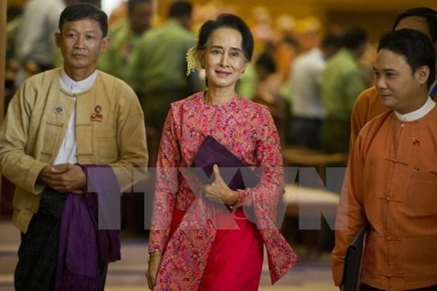 Myanmar prohibe a miembros de gabinete nombrar a familiares como asistentes hinh anh 1