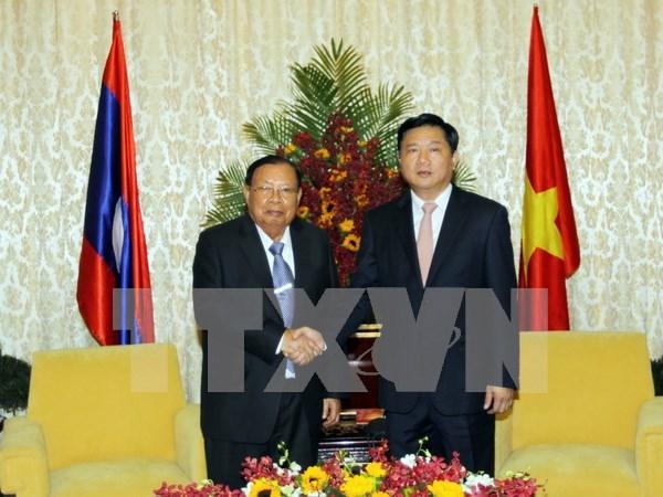 Esmerada Ciudad Ho Chi Minh en fortalecer nexos multifaceticos con Laos hinh anh 1