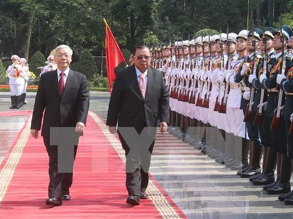 Amistad tradicional y cooperacion integral: tesoro invaluable de Vietnam y Laos hinh anh 1