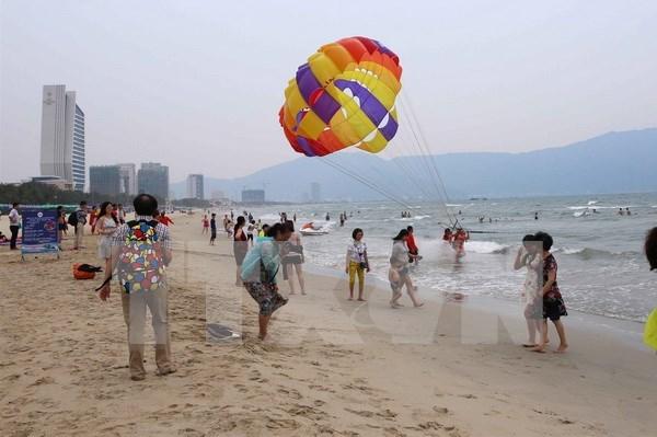 Vietnam registrara oleadas de turistas durante asueto por reunificacion nacional hinh anh 1